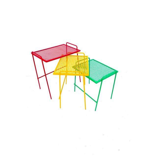 Salterini Mid-Century Salterini Metal Nesting Tables || Set of 3 Red, Yellow, Green Indoor/Outdoor Versatile Accent Furniture For Sale - Image 4 of 11