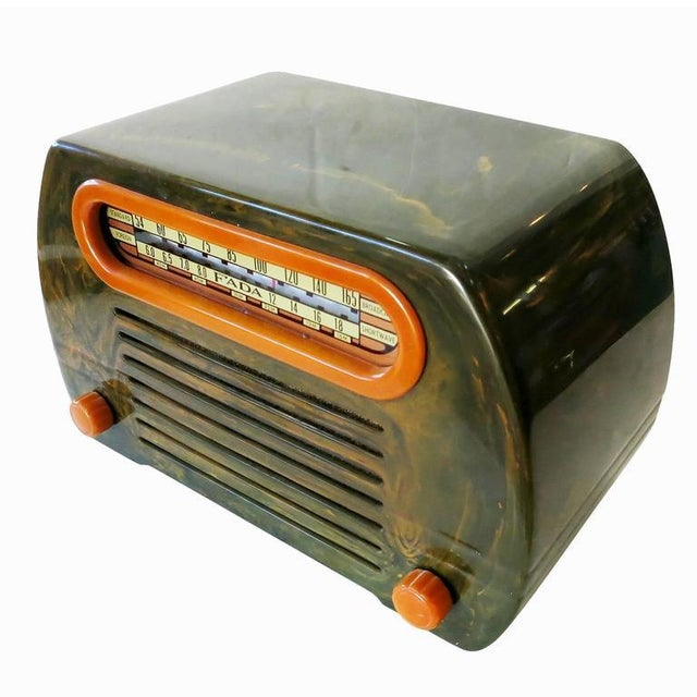 "Fada Model 659 ""Superheterodyne"" Marble Green and Caramel Catalin Tube Radio - Image 3 of 8"