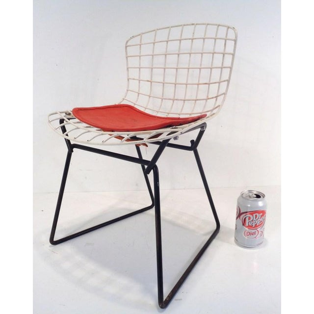 """Original 1960's Harry Bertoia designed welded wire chair for KNOLL. Rare black and White (""""two tone"""") configuration. This..."""
