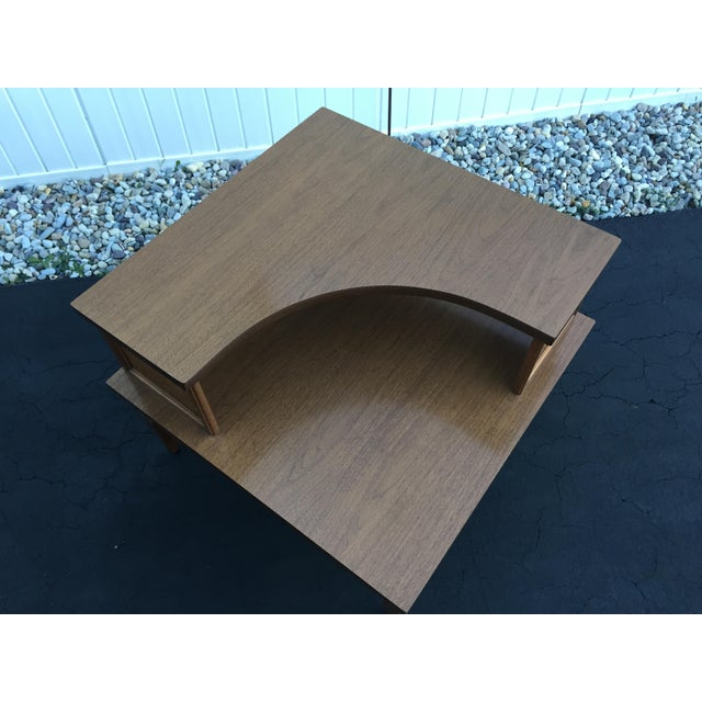 Baumritter Vintage Baumritter Two Tiered Laminate Top Corner Table For Sale - Image 4 of 8