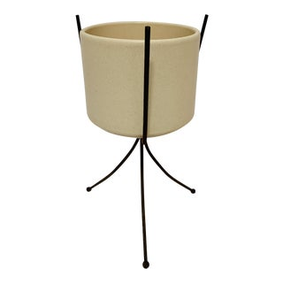 Mid-Century Modern Off White Gainey Ceramics Planter Pot & Iron Stand California Pottery For Sale