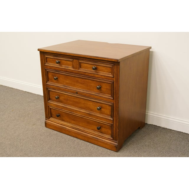"""20th Century Traditional Sligh Furniture the Ellis Line 32"""" Office Storage File Cabinet For Sale - Image 4 of 13"""