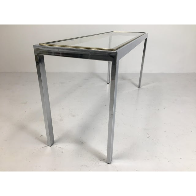 20th Century Minimalist Chrome and Glass Parsons Console Table With Brass Accents For Sale - Image 12 of 13
