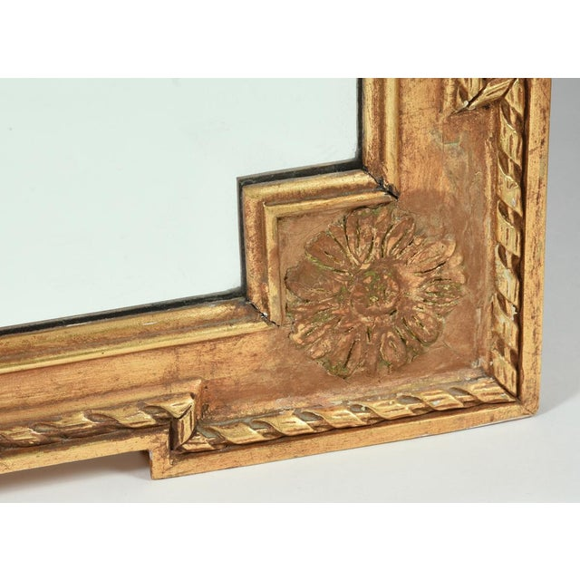 Early 20th Century Matching Pair of Giltwood Hanging Beveled Mirrors For Sale In New York - Image 6 of 11