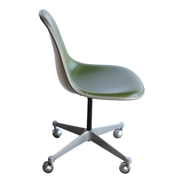 1960\'s Vintage Charles Eames for Herman Miller Desk Chair