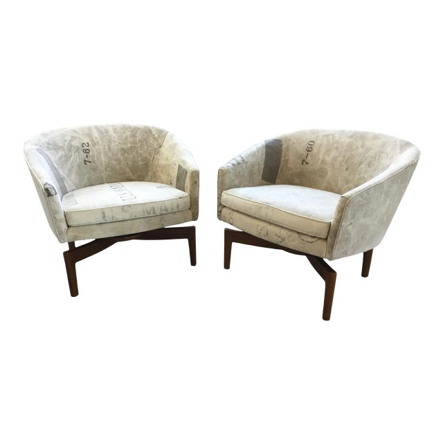 Mid Century Modern Jens Risom Club Lounge Chairs - a Pair For Sale