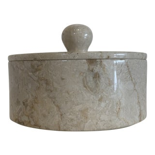 Natural Interior Round White Marble Lidded Storage Box For Sale