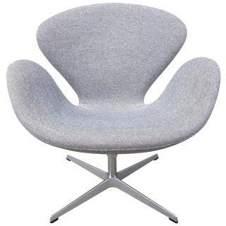 Mid-Century Arne Jacobsen Swan Chair for Fritz Hansen For Sale