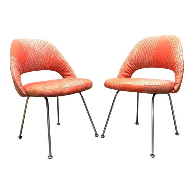 Red Rare Eero Saarinen for Knoll Chairs on Aluminum Legs- a Pair For Sale - Image 8 of 8