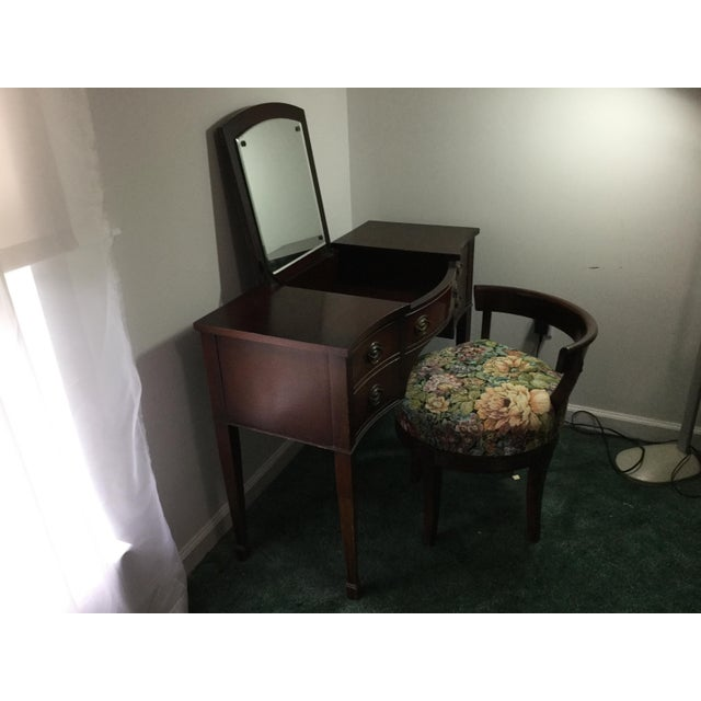 Brown Drexel 1960s Vintage Dressing Table and Stool For Sale - Image 8 of 12
