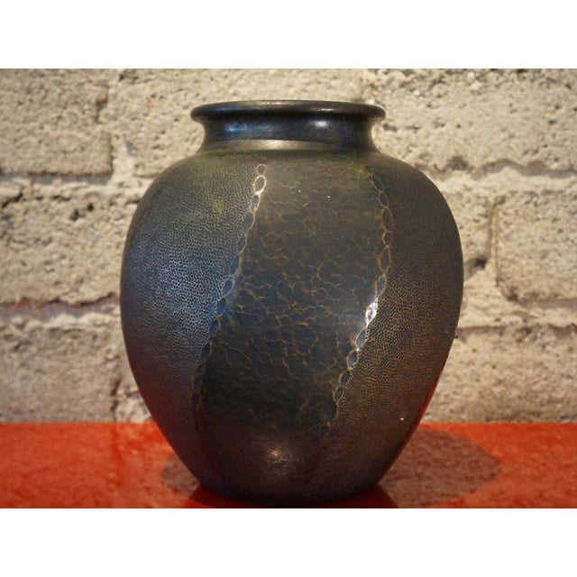 Mid-Century Modern 1930s Japanese Hand Hammered Copper Vase For Sale - Image 3 of 6