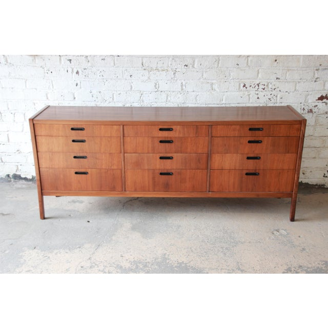 1960s Mid-Century Modern Walnut Twelve-Drawer Dresser or Credenza by Founders For Sale - Image 5 of 13