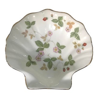 Wedgwood Wild Strawberry Soap Dish For Sale