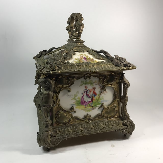Baroque Victorian KPM Porcelain & Gilded Bronze Jewelry Box For Sale - Image 3 of 11