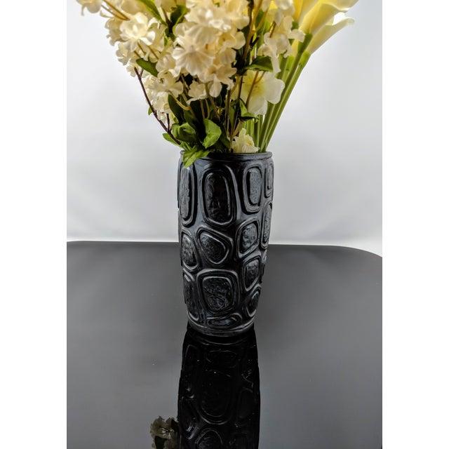 Jonathan Adler Windowpane Brutalist Vase For Sale - Image 11 of 12