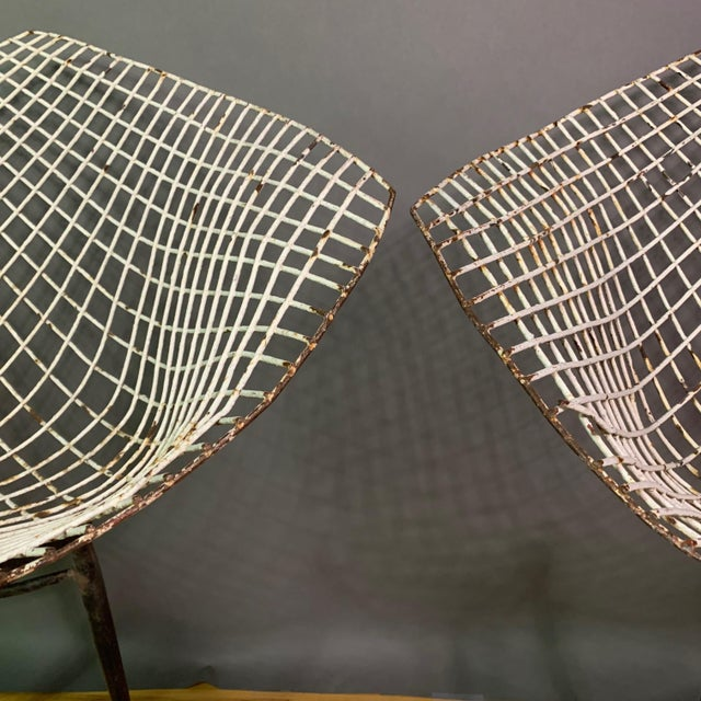 1970s Set of 1970s Iron Diamond Outdoor Chairs, Manner of Bertoia For Sale - Image 5 of 11