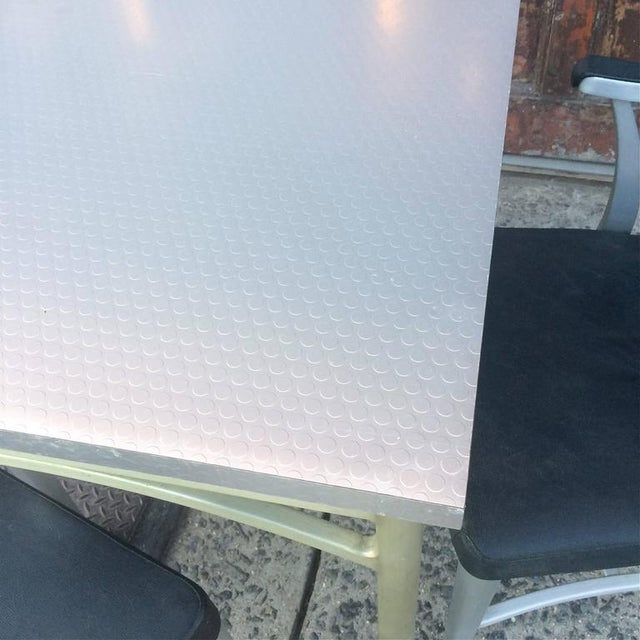 1940s 1940s Mid-Century Modern Brushed Aluminium Dining Set - 5 Pieces For Sale - Image 5 of 10