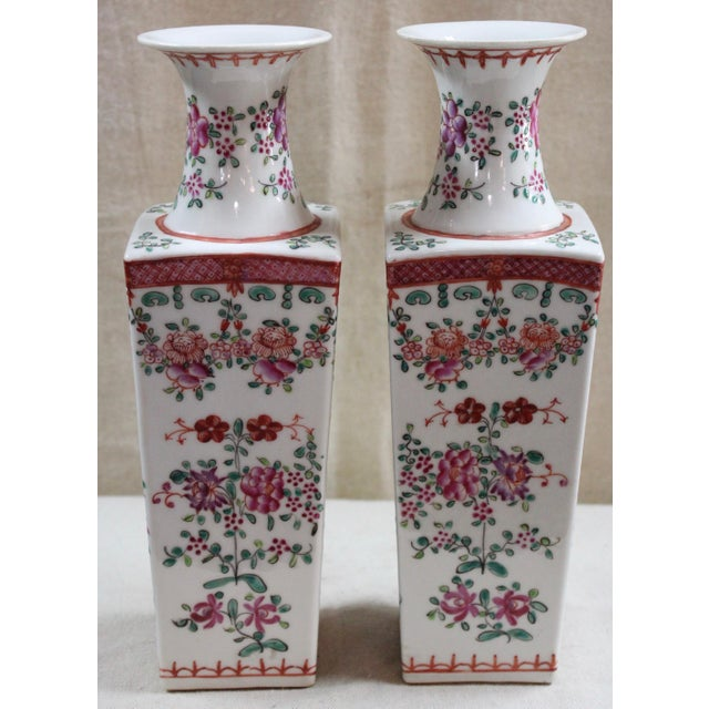 Chinese Famille Rose Vases - a Pair For Sale In Milwaukee - Image 6 of 6