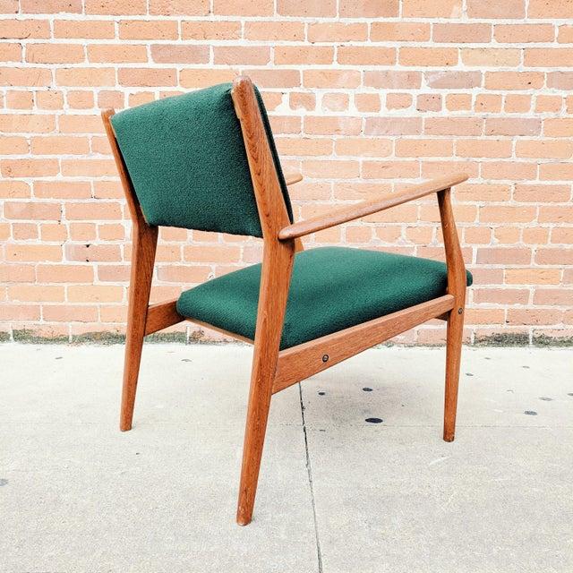 Wood Vintage Mid Century Danish Modern Teak Lounge Chair For Sale - Image 7 of 11