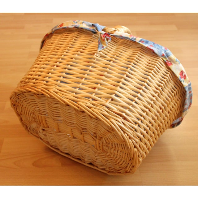 Vintage Handmade Braided Wicker Shopping Basket For Sale - Image 6 of 8