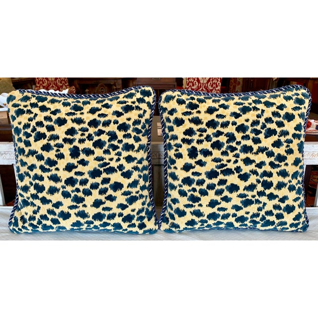 Contemporary Brunschwig and Fils Zambezi Gross Point Cut Velvet Pillows - Set of 2 For Sale In Kansas City - Image 6 of 6