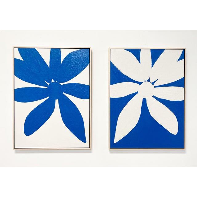 """Blue Exclusive John O'Hara """"Big Blue Daisy"""" Encaustic Paintings - 2 Panels For Sale - Image 8 of 9"""