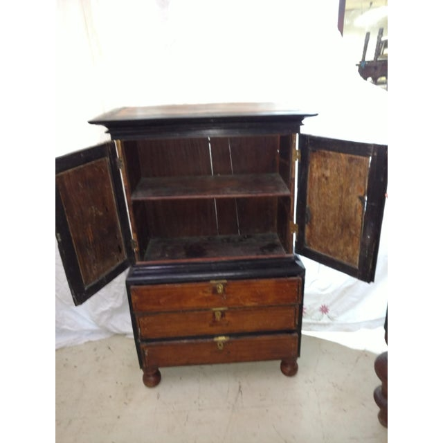 Anglo-Indian 1920s Anglo Indian Ebony and Satinwood Cupboard For Sale - Image 3 of 12