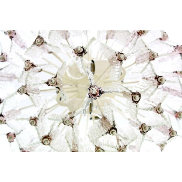 White Large Pink and White Venini Murano Chandelier by Toni Zuccheri, 1960s For Sale - Image 8 of 11