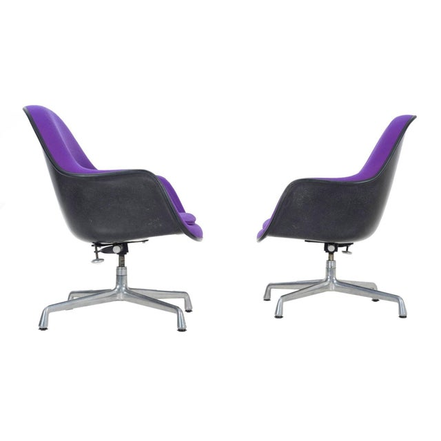 pair of Herman Miller Lounge Chairs For Sale - Image 11 of 11