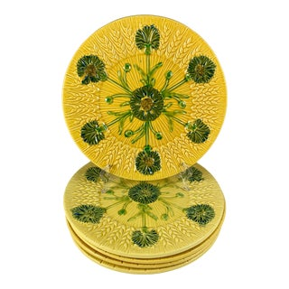 Mid-Century Sarreguemines Wheat & Floral Yellow French Faïence Majolica Plate For Sale
