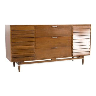 1960s Mid Century Modern Merton Gershun for American of Martinsville Walnut and Chrome 9 Drawer Lowboy Dresser For Sale