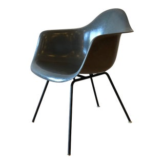 Eames Fiberglass Molded Side Chair for Herman Miller For Sale