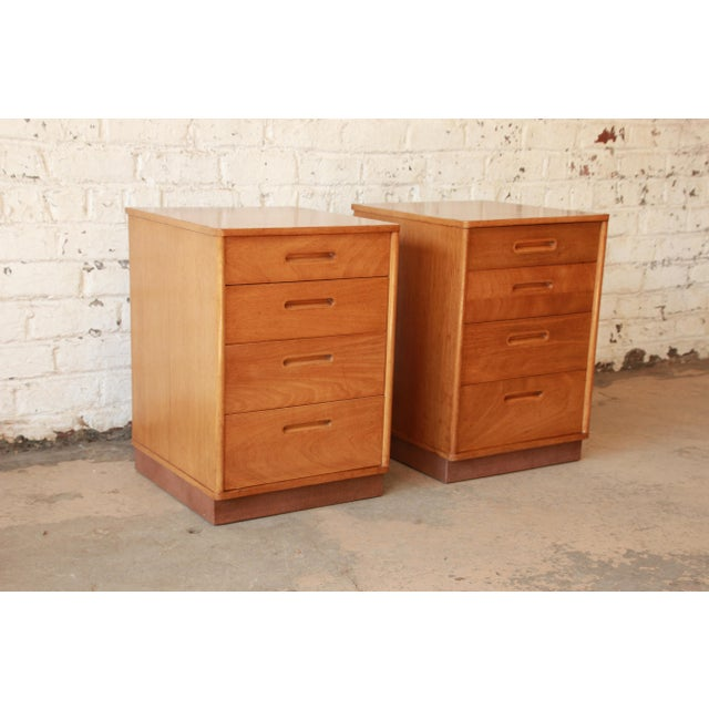 Edward Wormley for Dunbar Mid-Century Nightstands - a Pair For Sale - Image 10 of 11
