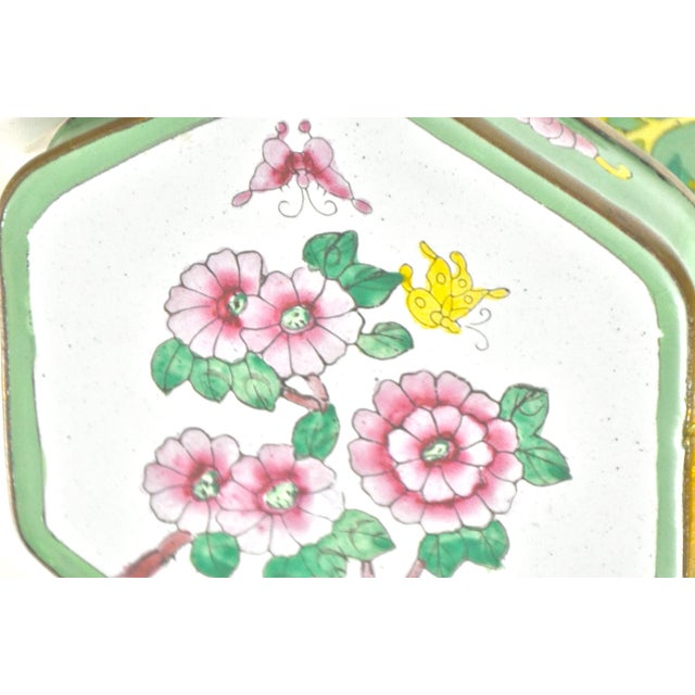 Asian Last Call! Green Hexagonal Chinese Enamel Box For Sale - Image 3 of 8
