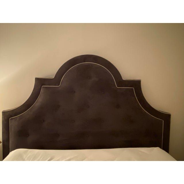 Hollywood Regency Jonathan Adler Woodhouse Queen Bed With Custom White Piping For Sale - Image 3 of 6