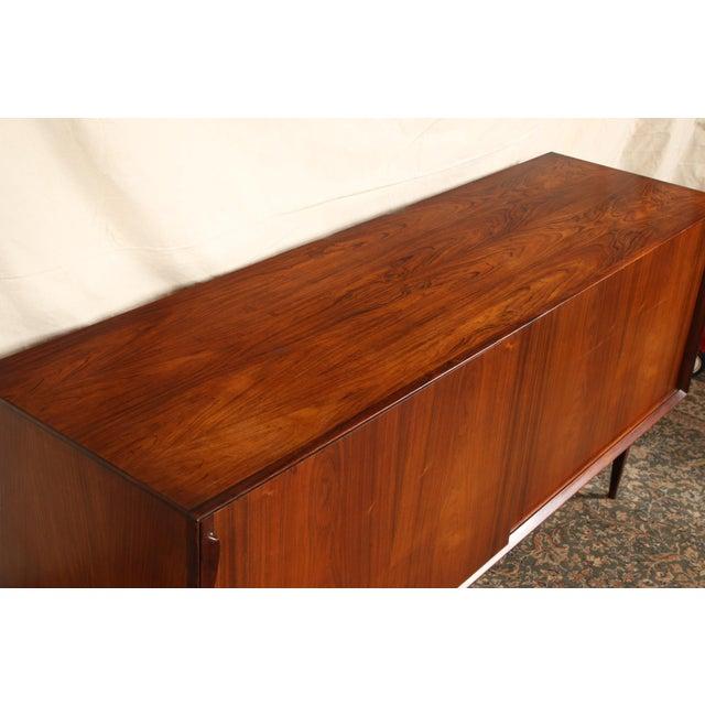 Brown Mid Century Danish Modern Rosewood Sideboard by Henry Rosengren Hansen for Brande Mobelindustri For Sale - Image 8 of 11