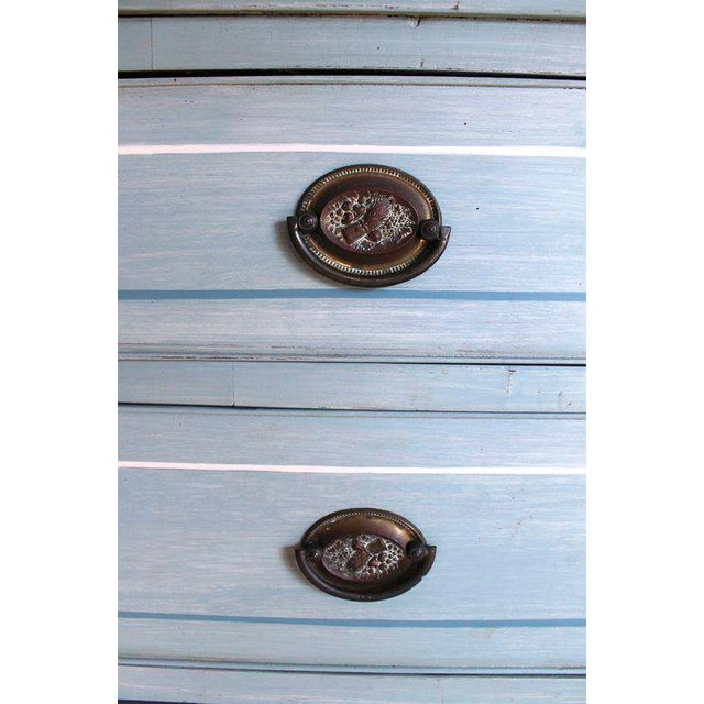 American Blue Painted Federal Chest of Drawers on French Feet - Image 10 of 11