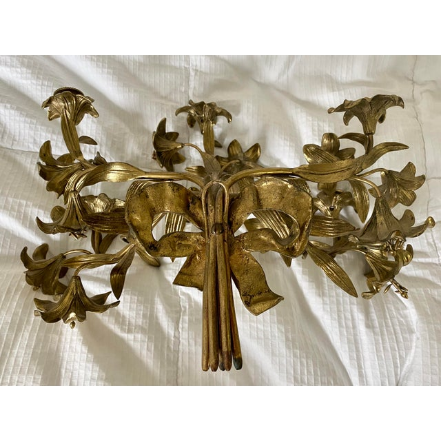 1950s 1950s Vintage Hollywood Regency Lily Brass Wall Sconce Candelabra For Sale - Image 5 of 6