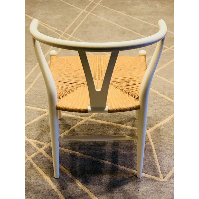 1940s Hans Wegner White Wishbone Chairs - Set of 6 For Sale - Image 5 of 11