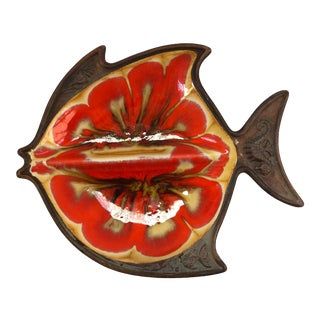 1950s Vintage Mid-Century Treasure Craft Glazed Ceramic Fish Catchall For Sale