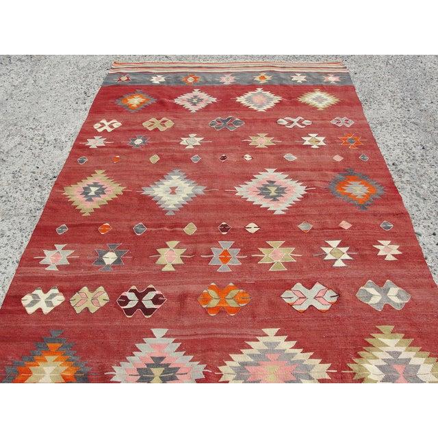 """Vintage Handmade Turkish Kilim Rug - 5'7"""" x 10'5"""" - Image 5 of 11"""