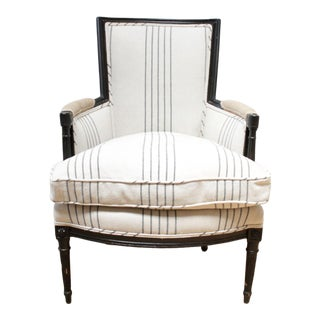 Vintage Louis XVI Style Painted and Upholstered Bergère Chair in French Linen For Sale