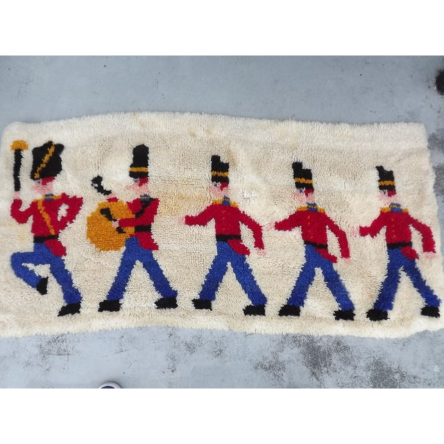 Mid Century Toy Soldier Hooked Rug - 2′1″ × 4′4″ - Image 4 of 5