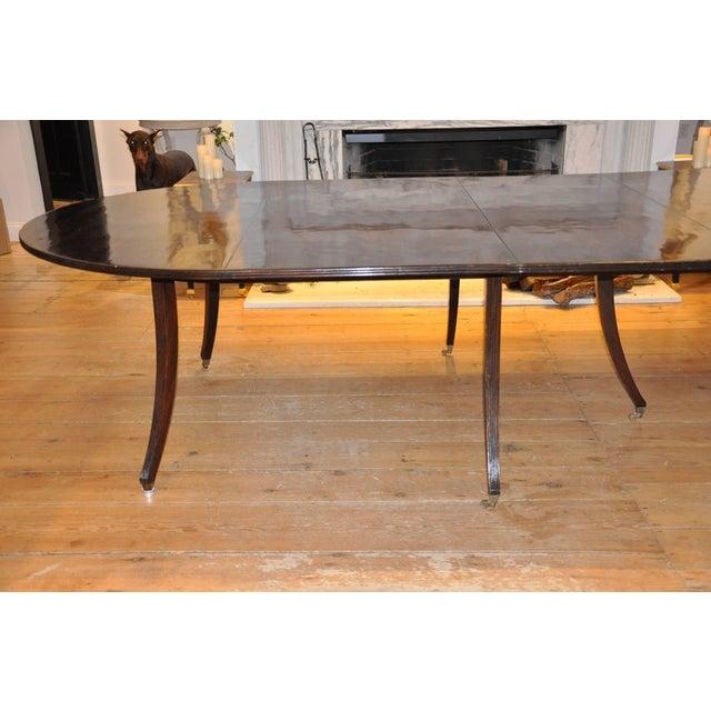 Hollywood Regency Custom Mid-Century Modern Mahogany Dining Table in Regency Style For Sale - Image 3 of 4