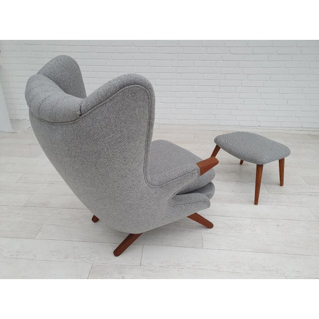 "1970s Danish Design, ""Teddy Bear"" Chair by Svend Skipper, Completely Reupholstered For Sale - Image 6 of 13"