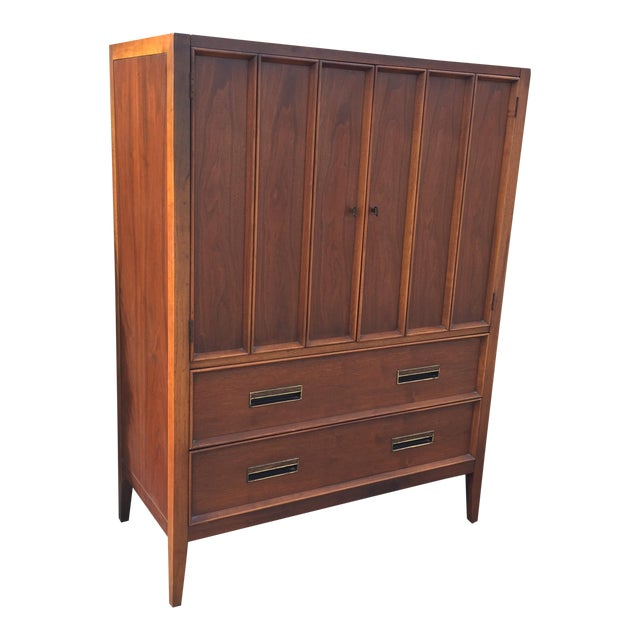 Handsome Drexel Paragon Chest For Sale