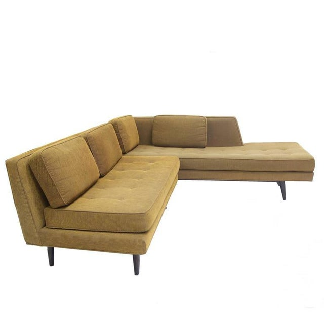 Elegant Two-Seat Edward Wormley for Dunbar Settee Sofa For Sale In New York - Image 6 of 7