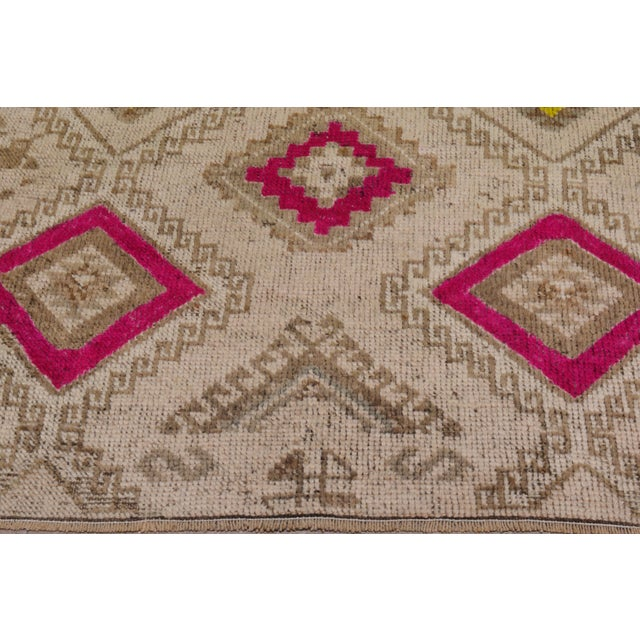 1950s Contemporary Tan Patterned Wool Rug, 3'4''x10' For Sale - Image 4 of 6