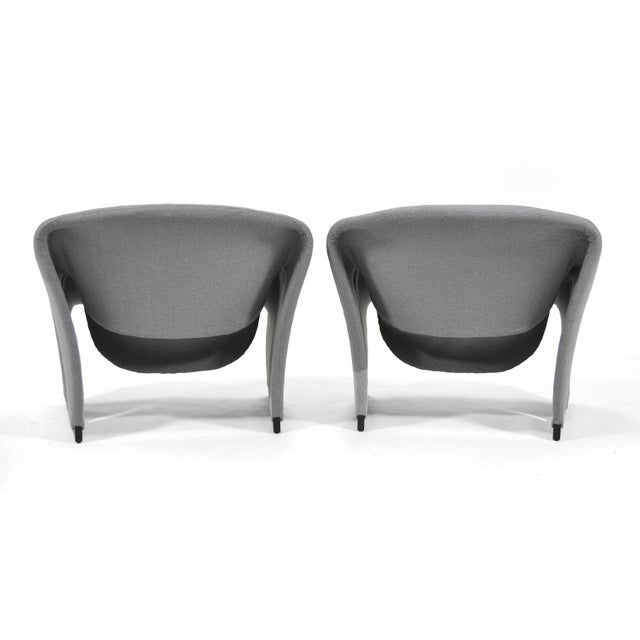 Fabric Pair of Pierre Paulin Model F580 Lounge Chairs by Artifort For Sale - Image 7 of 12