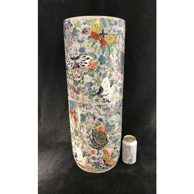 Vintage Chinese Porcelain Famille Verte Hand Painted Umbrella Stand For Sale In Indianapolis - Image 6 of 10